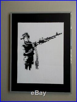 Banksy Crayon Shooter , Peinture au Pochoir sur Toile, Dismaland Souvenir