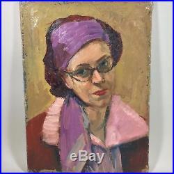Portrait d'une jeune femme au bandeau années 50